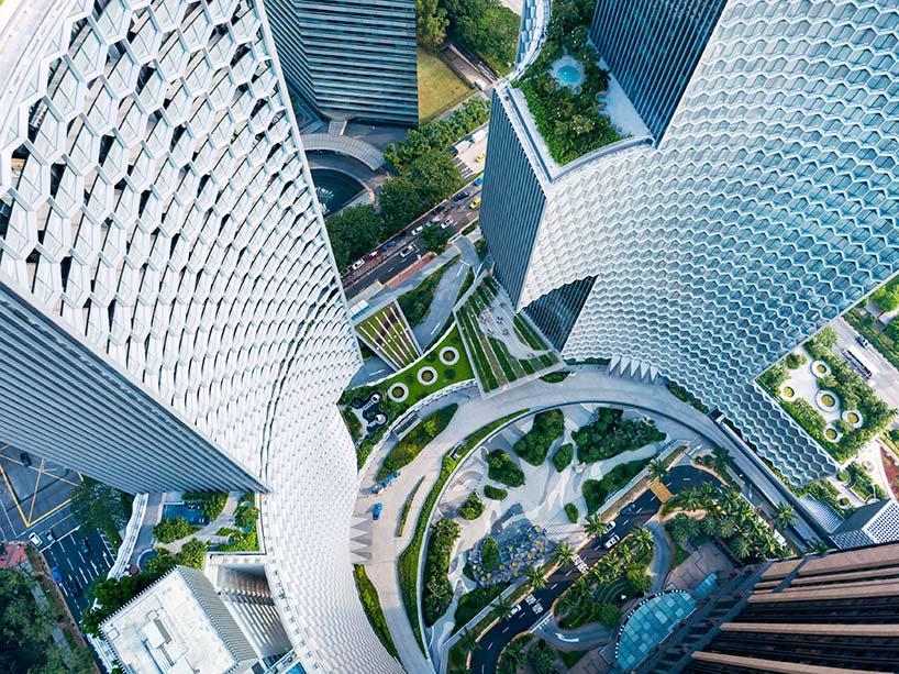 Овальный силуэт башен DUO в Сингапуре