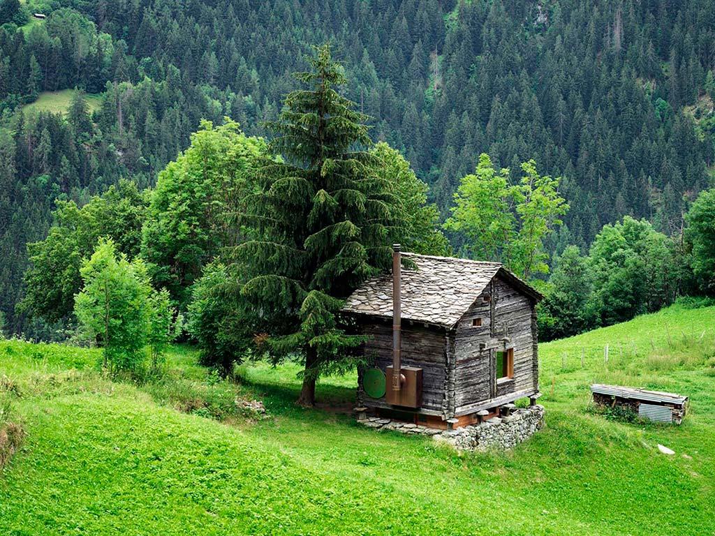 Деревянный дом интроверта в Швейцарских Альпах от Rapin Saiz