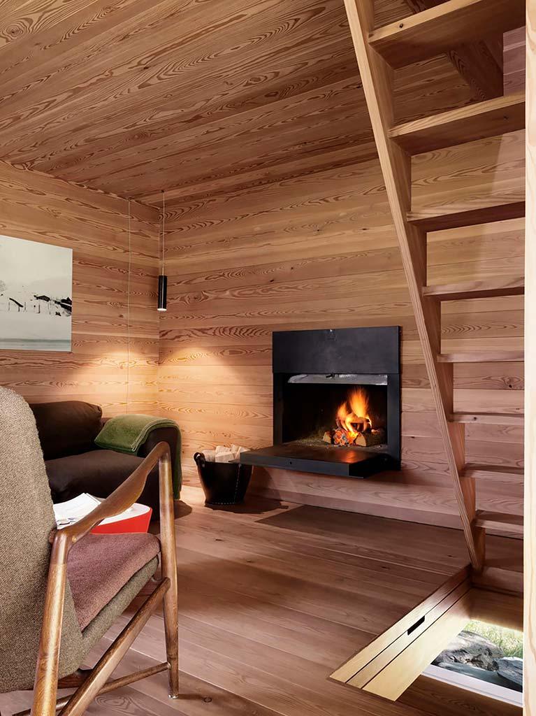 Дубовый дизайн интерьера гостиной