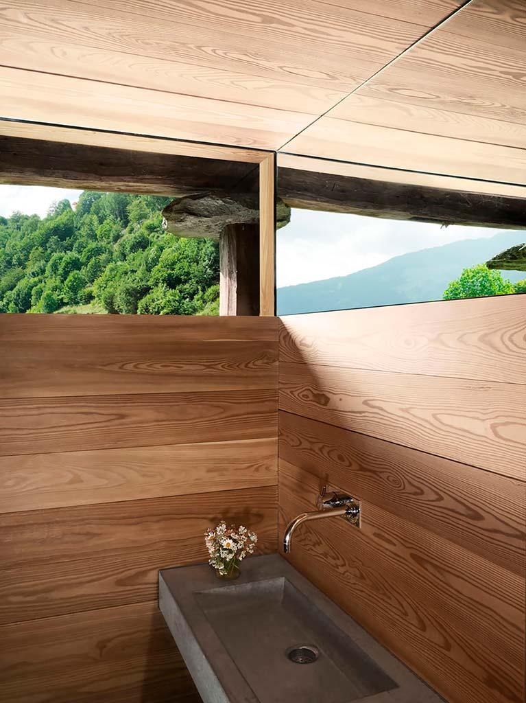 Ванная с видом на Швейцарские Альпы