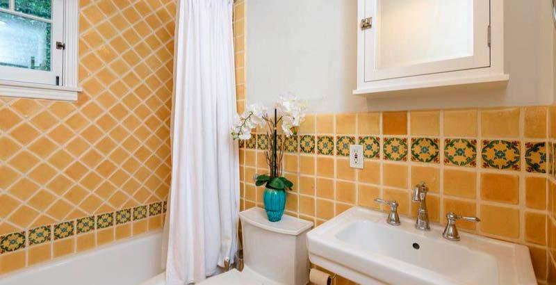 Уютный дизайн ванной комнаты