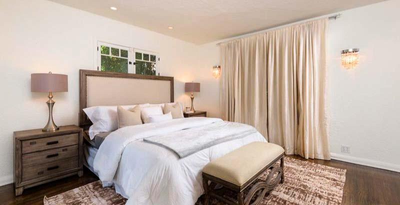 Спальня в доме актрисы Джули Бенц