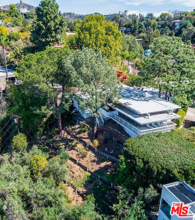 Дом на холмах в Лос-Анджелесе