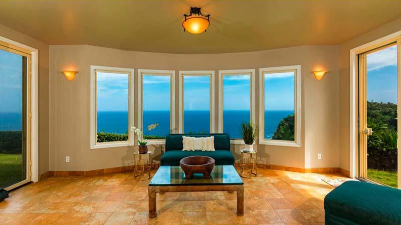 Комната с видом на океан