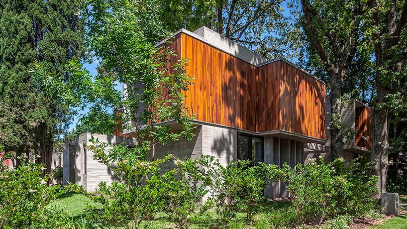 Дом с четырьмя спальнями. Проект Desonias Almeida Arquitectos