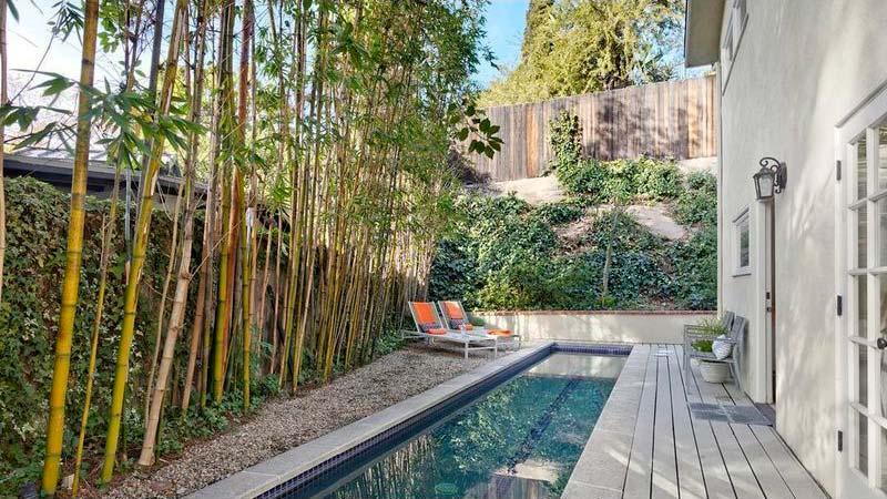 Бассейн в тени бамбуков
