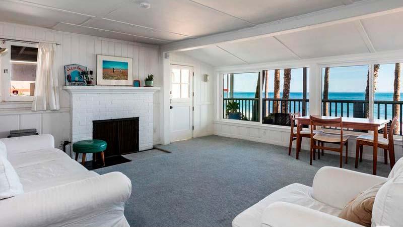 Дом с тремя спальнями на берегу Тихого океана