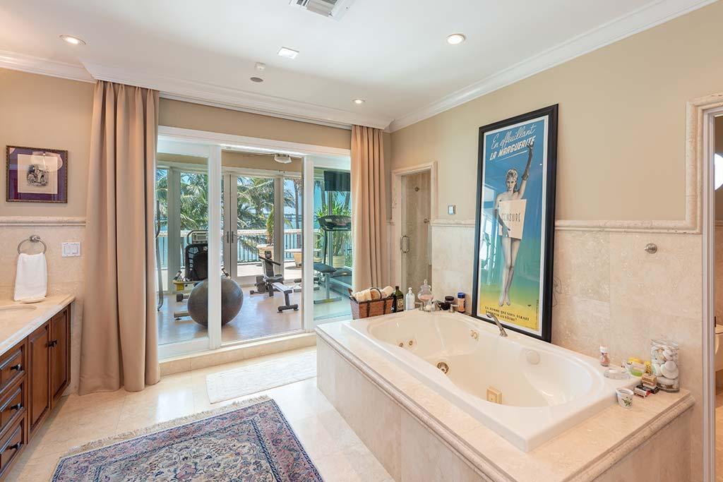 Домашний спортзал и ванная комната