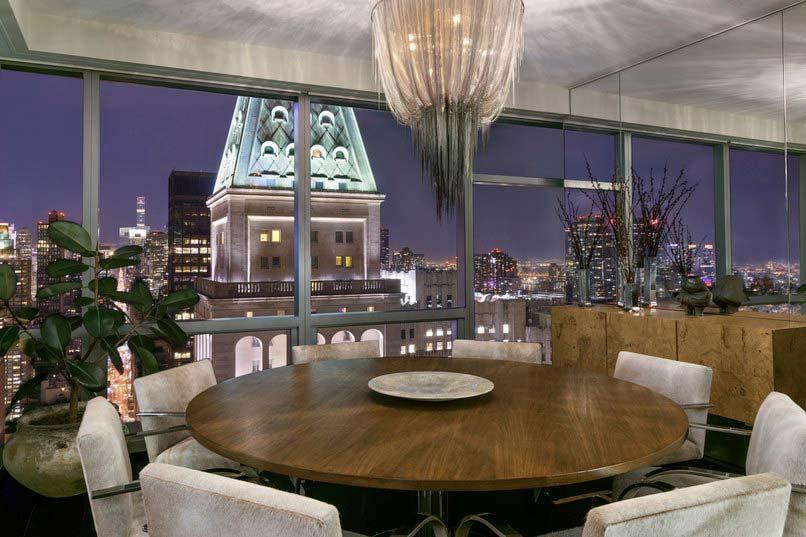 Вид на Эмпайр-Стейт-Билдинг из окон квартиры