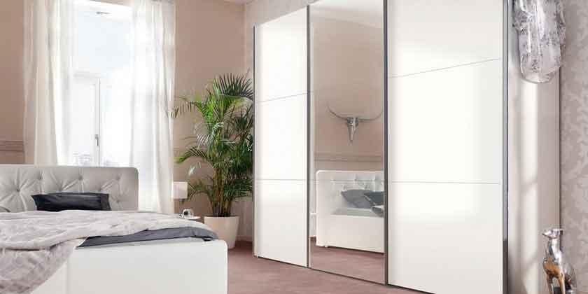 Шкафы-купе: особенности и преимущества