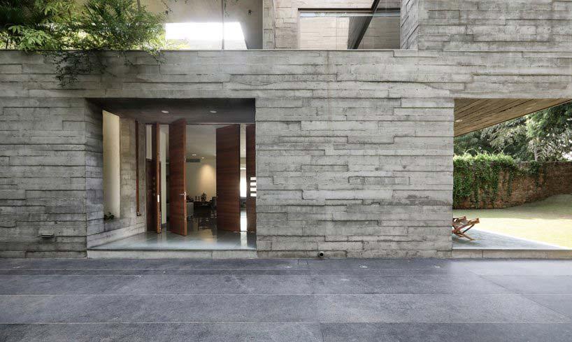 Бетонный фасад дома. Проект FLXBL