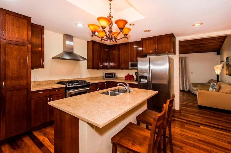 Кухня, столовая и гостиная 3-в-1