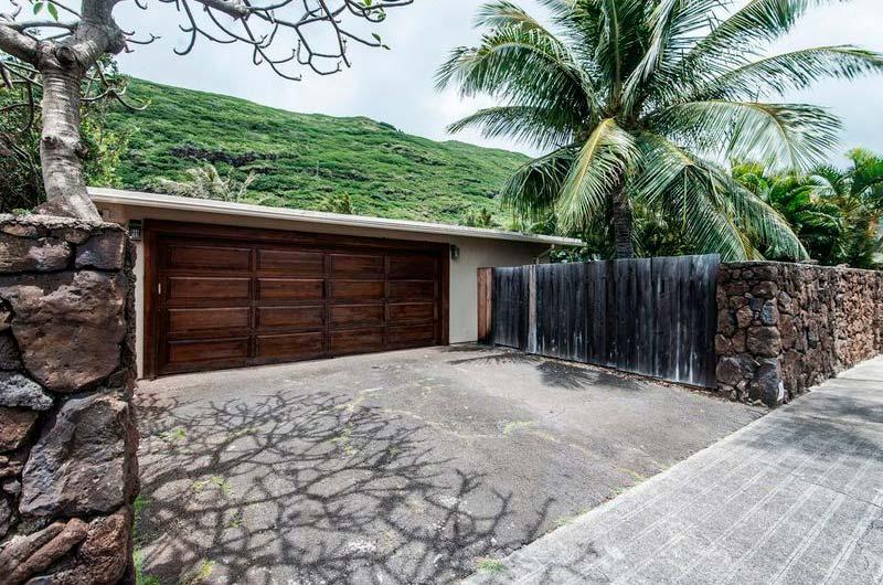 Дом с гаражом на Гавайях