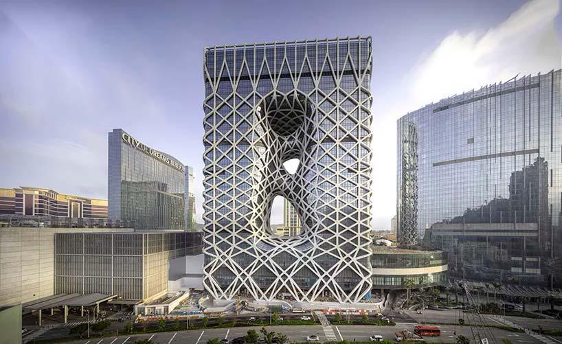 Скелетизированный отель Morpheus от Zaha Hadid Architects