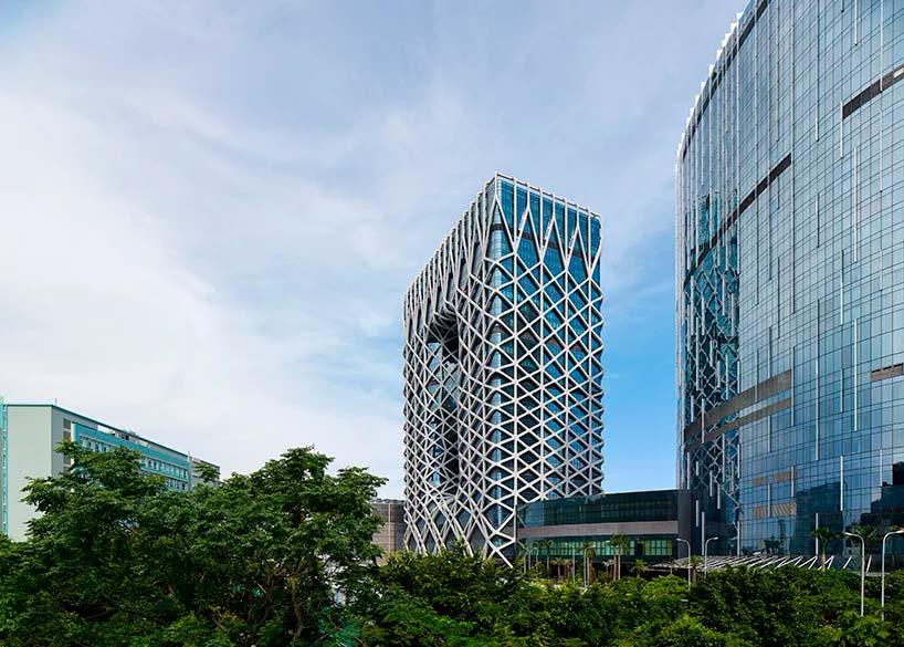 40-этажная башня отеля Morpheus в Макао от ZHA
