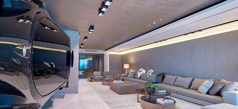 Интерьер квартиры с суперкаром Pagani Zonda R за $1,5 млн