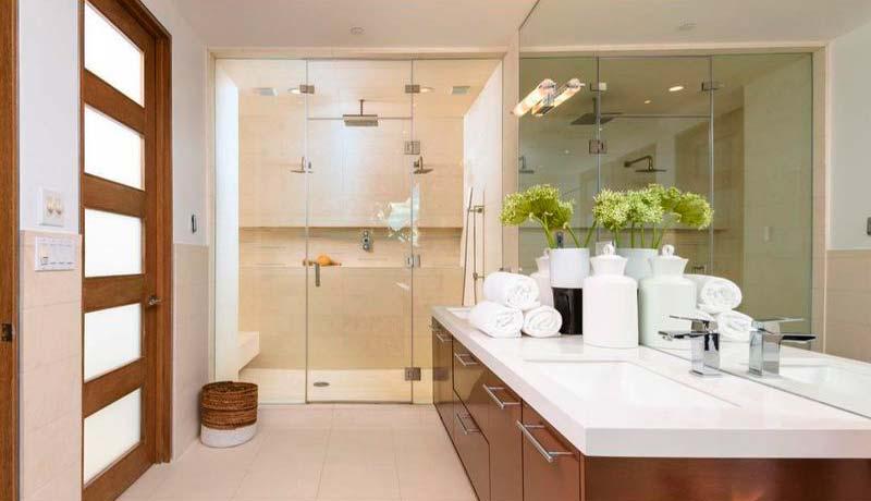 Дизайн ванной комнаты в доме Дольфа Лунгрена