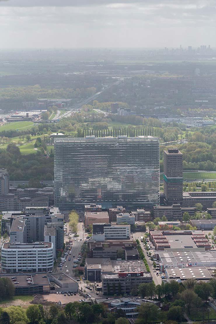 Здание Европейского Патентного Ведомства высотой 107 метров