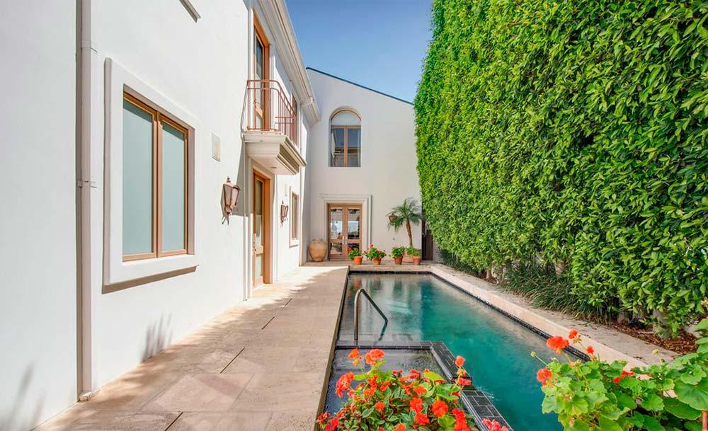 Дом с бассейном и спа в Малибу