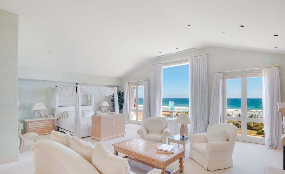 Спальня с видом на океан