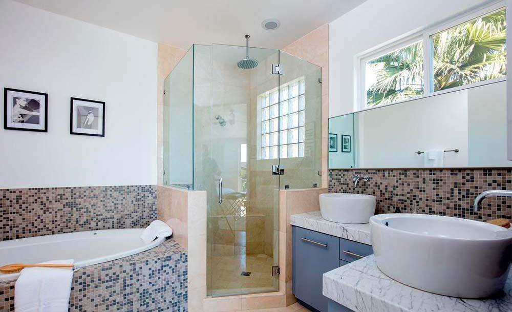 Дизайн ванной комнаты с раковинами-чашами