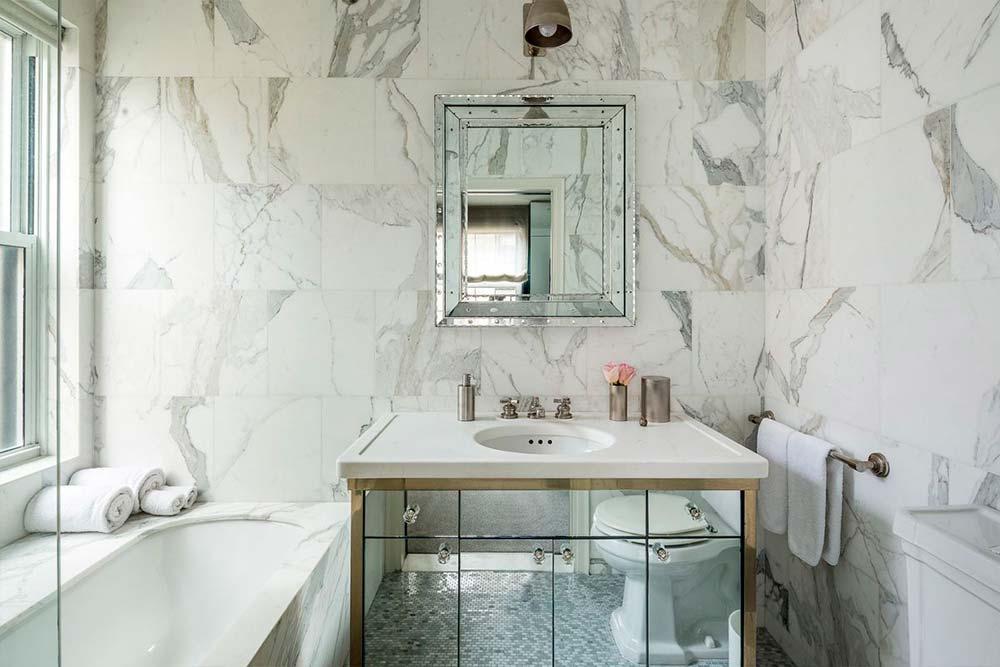 Мраморный дизайн ванной комнаты