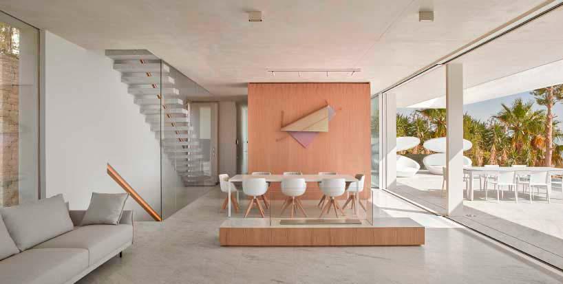 Открытая планировка дома от Рамона Эстеве