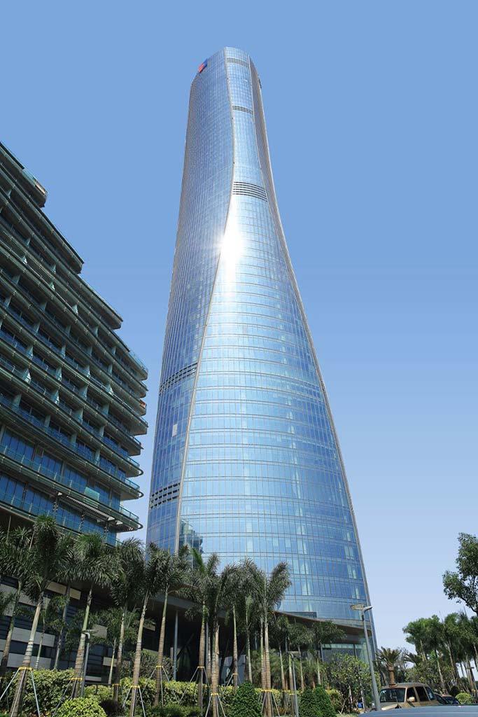 68-этажный небоскреб высотой 328,8-метра от RMJM Architects