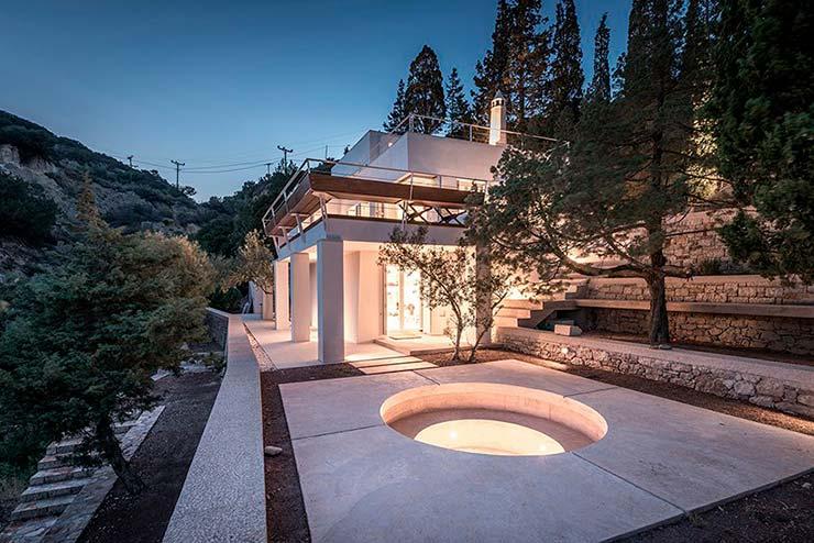 Дом на скалах в Греции. Проект R.C. Tech