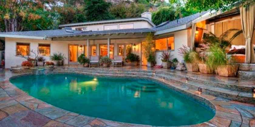 Актриса Сандра Буллок продала дом в Лос-Анджелесе со скидкой