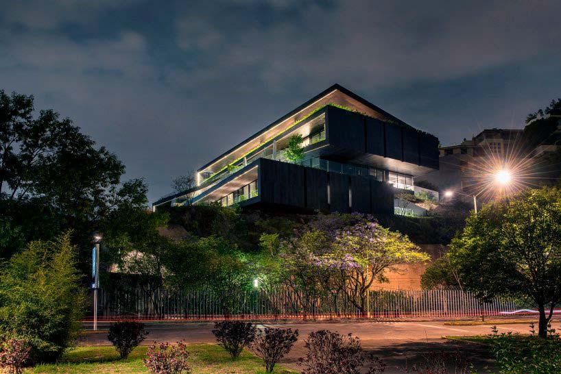 Элитный многоквартирный дом. Дизайн Sordo Madaleno Arquitectos