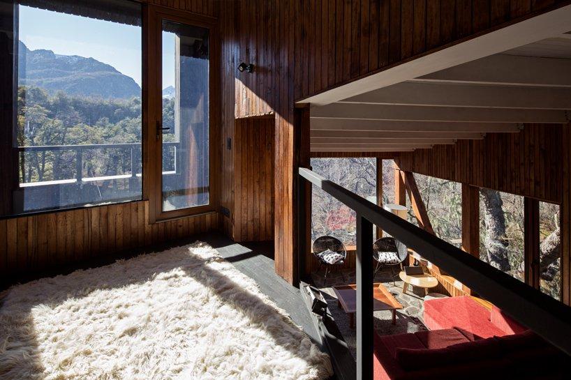 Трехэтажный дом в лесу Чили La Dacha от DRAA