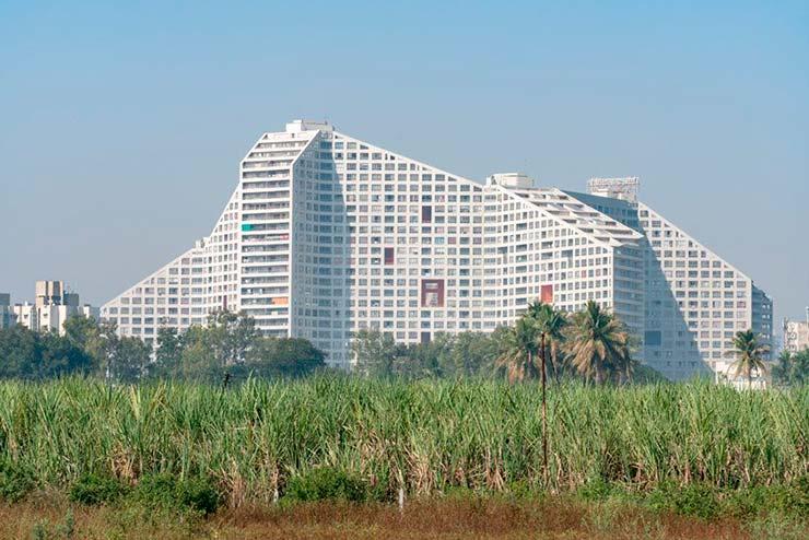 Современный ЖК Future Towers на 1000 квартир от MVRDV