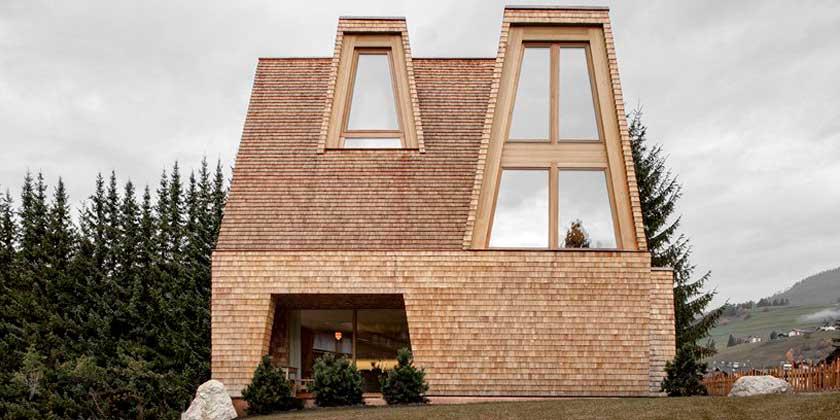 Деревянный горный дом в Италии от Pedevilla Architects