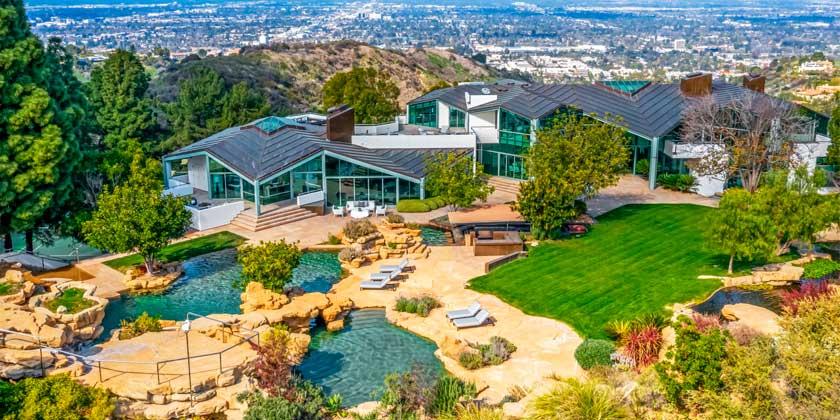 Рэпер Фаррелл Уильямс продал дом в Беверли-Хиллз за $14 млн