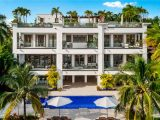 Флойд Мейвезер купил дом в Майами за $18 млн