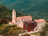 Монастырь XV-века на Корсике отреставрировали и достроили на новый лад